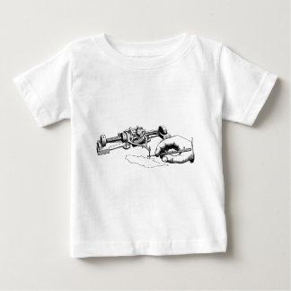 Camiseta De Bebé Mano que repara el viejo dispositivo