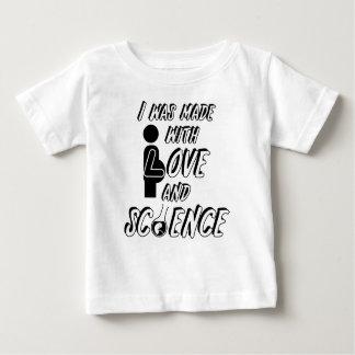 Camiseta De Bebé Me hicieron con amor y ciencia