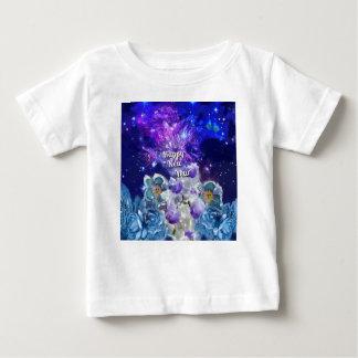 Camiseta De Bebé Mire cómo el sorprender será el Año Nuevo
