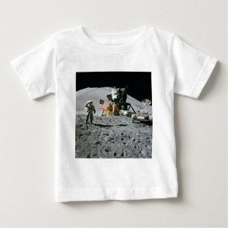 Camiseta De Bebé Misión de la luna del astronauta y de Apolo de la