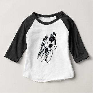 Camiseta De Bebé Monte en bicicleta a los corredores en la vuelta