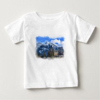 Camiseta De Bebé Mt Rundle y hotel famoso, Banff, Alta, Canadá
