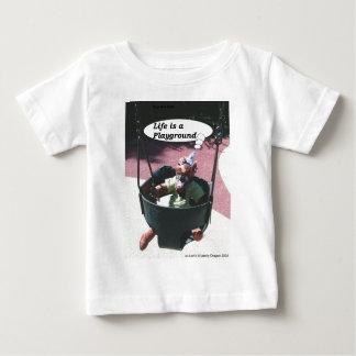 Camiseta De Bebé Nebby III en el oscilación