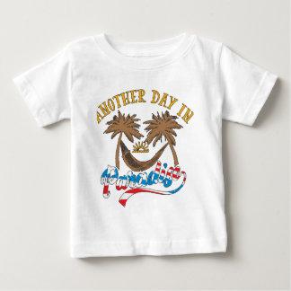 Camiseta De Bebé Otro día en paraíso