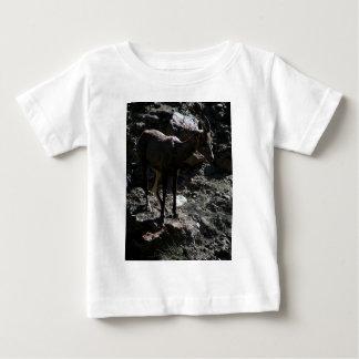 Camiseta De Bebé Ovejas de Bighorn de la montaña rocosa, oveja