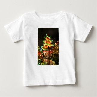 Camiseta De Bebé Pagoda china en la noche