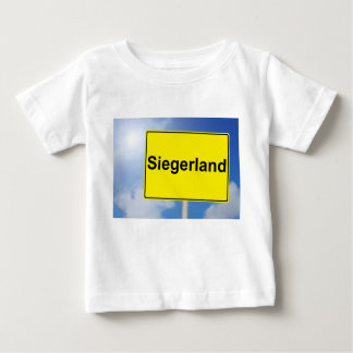 Camiseta De Bebé País de vencedor escudo con fondo de cielo
