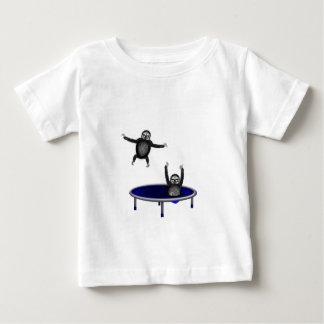 Camiseta De Bebé perezas trampolining
