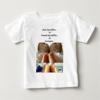 Camiseta De Bebé Pierna Selfies contra las salchichas…