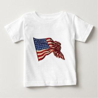 Camiseta De Bebé Puede de largo ella agita - la bandera