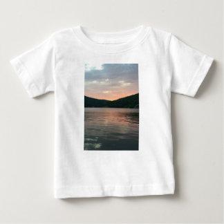 Camiseta De Bebé Puesta del sol en el agua
