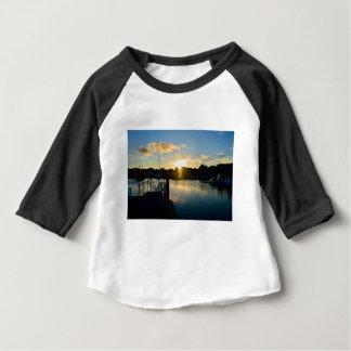 Camiseta De Bebé Puesta del sol sobre Cape Cod