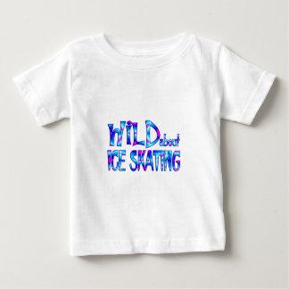 Camiseta De Bebé Salvaje sobre el patinaje de hielo