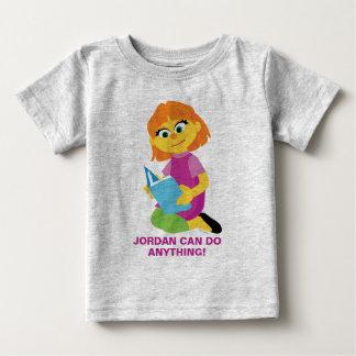 Camiseta De Bebé Sesame Street el | Julia que lee un libro