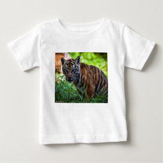 Camiseta De Bebé Tigre Cub de Sumatran de los alquileres