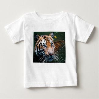 Camiseta De Bebé Tigre de los alquileres en agua