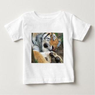 Camiseta De Bebé Tigre el dormir