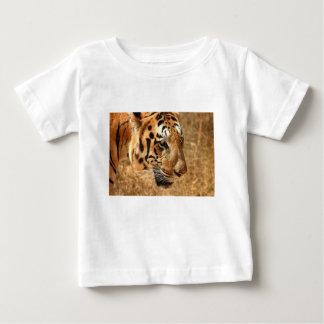 Camiseta De Bebé Tigre que acecha en la India