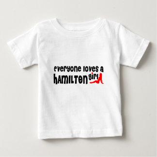 Camiseta De Bebé Todos ama a un chica de Hamilton