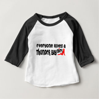 Camiseta De Bebé Todos ama a un chica de Thunder Bay