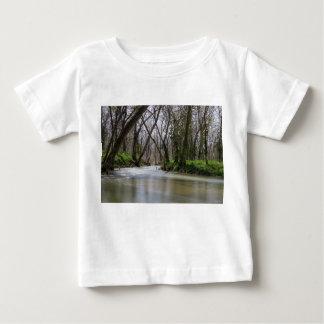 Camiseta De Bebé Tranquilidad de Finley en tiempo de primavera