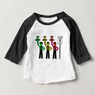 Camiseta De Bebé Trío cambiante de la luz de parada al lado de la