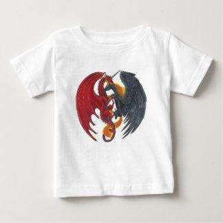 Camiseta De Bebé Unicornio negro del fuego y dragón rojo
