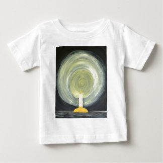 Camiseta De Bebé Vela que se enciende encima de la noche