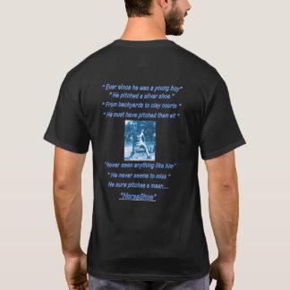 Camiseta de herradura oscura básica del cabeceo