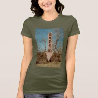 camiseta de la atracción del borde de la carretera