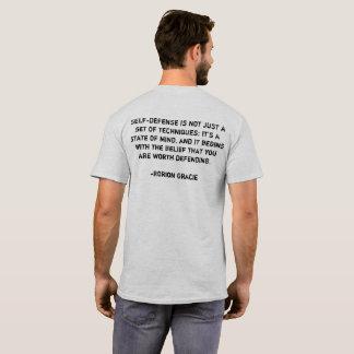 Camiseta de la autodefensa del mayordomo