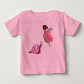 Camiseta de la hada y del bebé del caracol