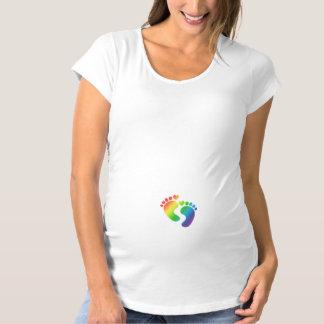 Camiseta de la maternidad de las huellas del bebé