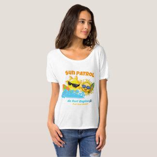 Camiseta de la persona que practica surf de la