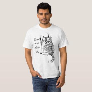 Camiseta de los celos del rasguño de gato