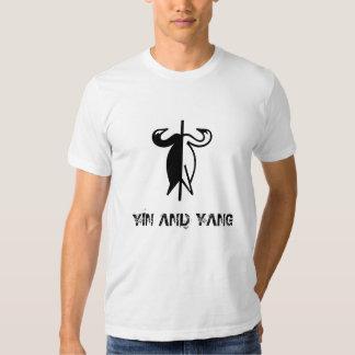"""""""Camiseta de los cisnes de Yin y de Yang"""" Camiseta"""