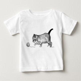 Camiseta de los niños del gatito y del hilado