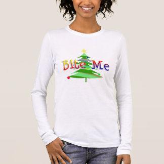 Camiseta De Manga Larga El árbol de navidad me muerde