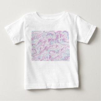 Camiseta de mármol rosada del bebé del modelo