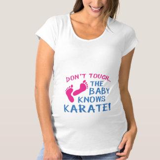 Camiseta De Premamá ¡El bebé sabe karate!