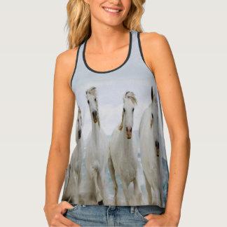 Camiseta De Tirantes Caballos blancos árabes que corren a lo largo de