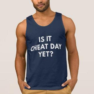 Camiseta De Tirantes ¿Es día del tramposo todavía?