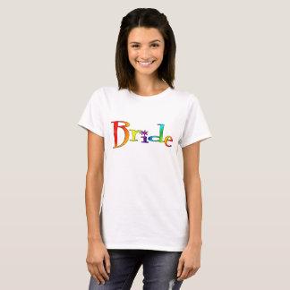 Camiseta del arco iris de la novia