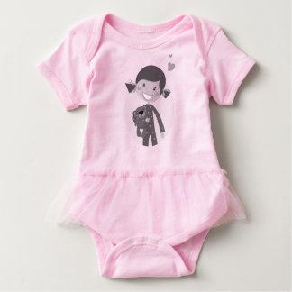 Camiseta del bebé de la niña