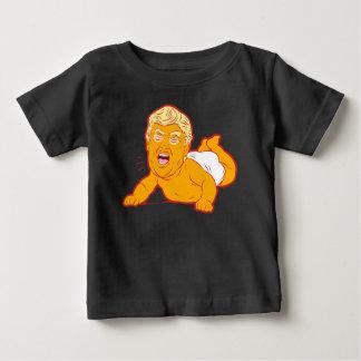 Camiseta del bebé de la protesta del triunfo: