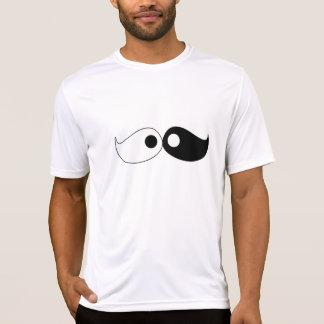 Camiseta del bigote de Yin Yang del inconformista