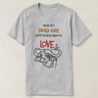 Camiseta del búfalo de la guía del safari