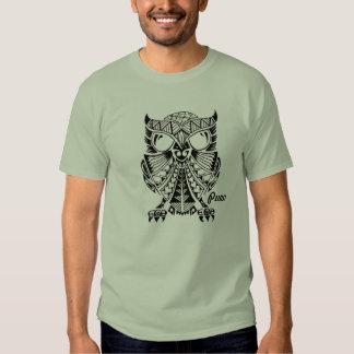 """Camiseta del """"búho"""" de Pueo del polinesio"""
