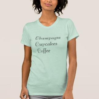 Camiseta del café de las magdalenas de Champán