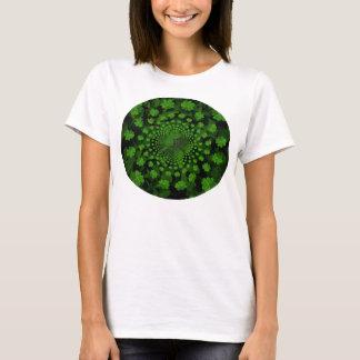Camiseta del caleidoscopio del trébol de cuatro